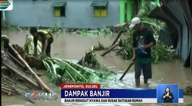 Warga korban banjir mengaku selama lima hari banjir bandang melanda, belum mendapat bantuan dari pemerintah.
