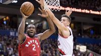 Kawhi Leonard melakoni debut bersama Toronto Raptors (AP)