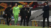 Salah satu pemicu kekalahan telak 2-6 AS Roma dari Manchester United, Kamis (29/4/2021) menurut manajer tim Paulo Fonseca adalah karena timnya tidak memiliki jatah pergantian pemain di babak kedua. Jatah mereka habis karena 3 pemain harus diganti di babak pertama. (AP/Jon Super)