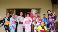 Senior Living D'Khayangan memiliki program untuk orang tua kita, tiap hari tersedia berbagai aktivitas untuk menjaga kebahagiaan mental.