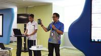 VP LTE XL Rahmadi Mulyohartono memperkenalkan teknologi terbaru 4x4MIMO 256 QAM untuk meningkatkan kecepatan layanan data 4,5G (Liputan6.com/ Agustin Setyo W)