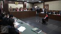 Tersangka pembunuhan Wayan Mirna Salihin, Jessica Kumala Wongso menjalani sidang lanjutan di PN Jakarta Pusat, Selasa (21/6). Agendanya, pembacaan jawaban Jaksa Penuntut Umum (JPU) terkait eksepsi atau nota keberatan Jessica. (Liputan6.com/Faizal Fanani)