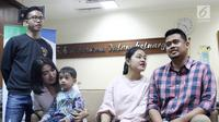 Putri Presiden Joko Widodo atau Jokowi, Kahiyang Ayu dan suami Bobby Nasution saat jumpa pers di RS YPK Mandiri, Jakarta, Jumat (3/8). Kahiyang dan Bobby memberi nama bayi mereka Sedah Mirah Nasution. (Liputan6.com/Herman Zakharia)