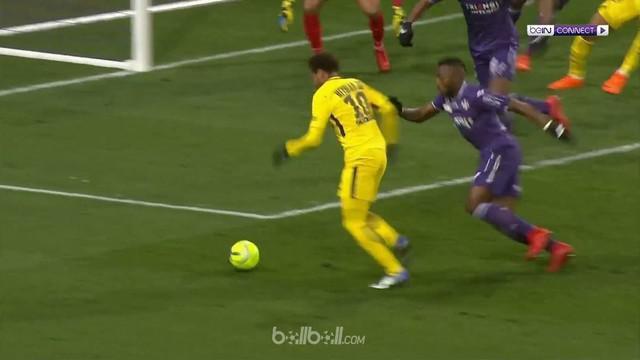 Neymar mencetak golnya ke-27 musim ini saat menjadi penentu kemenangan 1-0 Paris Saint-Germain atas Toulouse. Tiga poin yang membu...