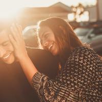 Atasi rasa rindu pada kekasih saat isolasi diri di tengah pandemi virus corona. (Foto: Unsplash)