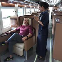 Luxury Coach Kereta Api Indonesia, image: Instagram Oggi Gunadi