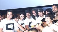 Syukuran film Rembulan Tenggelam di Wajahmu yang diadaptasi dari novel karya Tere Liye. (Ine Yulita Sari)