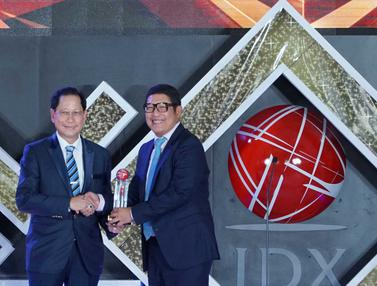 Presdir BCA Sabet IDX Channel Innovation Awards 2019