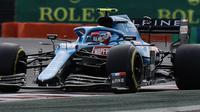 Aksi pembalap Alpine, Esteban Ocon pada balapan F1 GP Hungaria. (Peter Kohalmi / AFP)