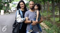 Marcell Siahaan bersama istri, Rima Melati Adams dan putranya, Seth Ananda Siahaan. (Herman Zakharia/Liputan6.com)
