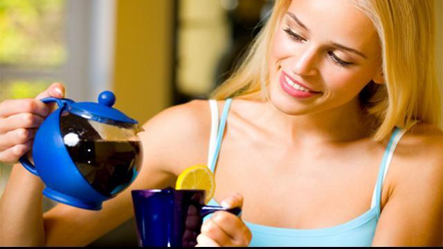 Itulah sebabnya, teh hijau kaya akan antioksidan yang membuatmu awet muda, cantik, sehat dan berseri.