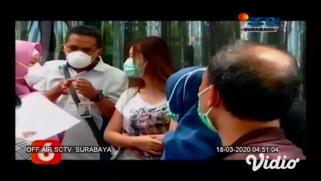 Sejumlah rumah sakit di kawasan Surabaya melakukan pengecekan terhadap warga yang memiliki riwayat bepergian ke luar negeri, serta memiliki gejala serupa dengan COVID-19. Setidaknya sembilan orang dirawat, dan 100 orang tengah melakukan pemeriksaan.