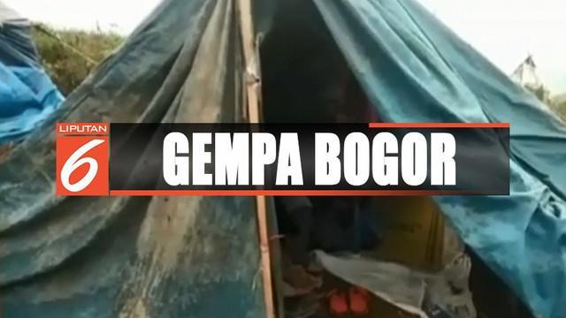 Petugas BMKG Jawa Barat menjelaskan gempa di Kampung Citalahab merupakan gempa swam, gempa yang getarnya atau magnitudonya kecil dengan frekuensi banyak yang diakibatkan sesar cluster Bogor.