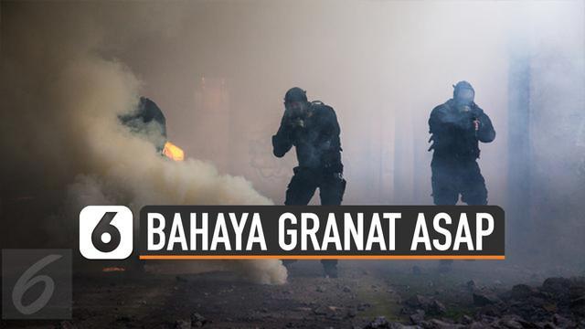 Jakarta diramaikan dengan ledakan granat asap, Selasa (03/12/19) pagi. Meskipun tergolong tak mematikan, granat asap tetap punya bahaya.