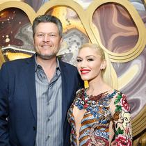 Blake Shelton dan Gwen Stefani saat menghadiri Warner Music Group Pre-Grammy Party di Hollywood Athletic Club pada 23 Januari 2020 di Hollywood, California. (AMY SUSSMAN / GETTY IMAGES NORTH AMERICA / GETTY IMAGES VIA AFP)