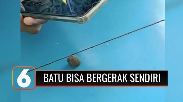 Fenomena batu kerikil yang dapat bergerak sendiri membuat heboh warga Jember, Jawa Timur, dalam beberapa hari ini. Agar tak disalahgunakan, Sabtu siang (19/6), polisi akhirnya mengamankan batu seukuran kelereng yang viral, setelah videonya diunggah k...