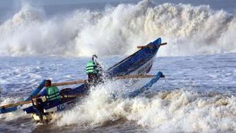 Ada Potensi Gelombang Tinggi di Pantai Selatan, Wisatawan Diminta Waspada