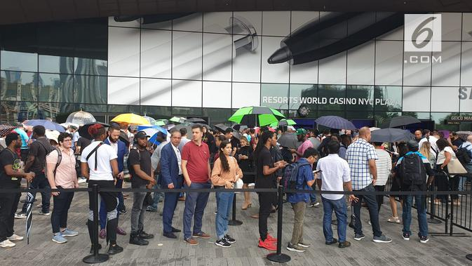 Suasana antrean peluncuran Galaxy Note 10 dan Galaxy Note 10 Plus di Barclays Center, Brooklyn, New York, Amerika Serikat. Liputan6.com/Istiarto Sigit Nugroho