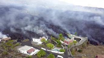 FOTO: Lava Gunung Berapi di Spanyol Meluas hingga ke Arah Laut