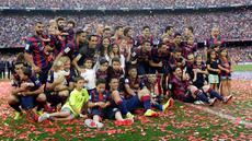 Barcelona akhirnya mengangkat trofi juara La Liga Spanyol musim 2014/2015. Pesta juara yang berlangsung di Camp Nou, Sabtu (23/5) malam WIB, sekaligus menjadi ajang perpisahan Xavi Hernandez yang memutuskan hengkang dari Barca di akhir musim ini.