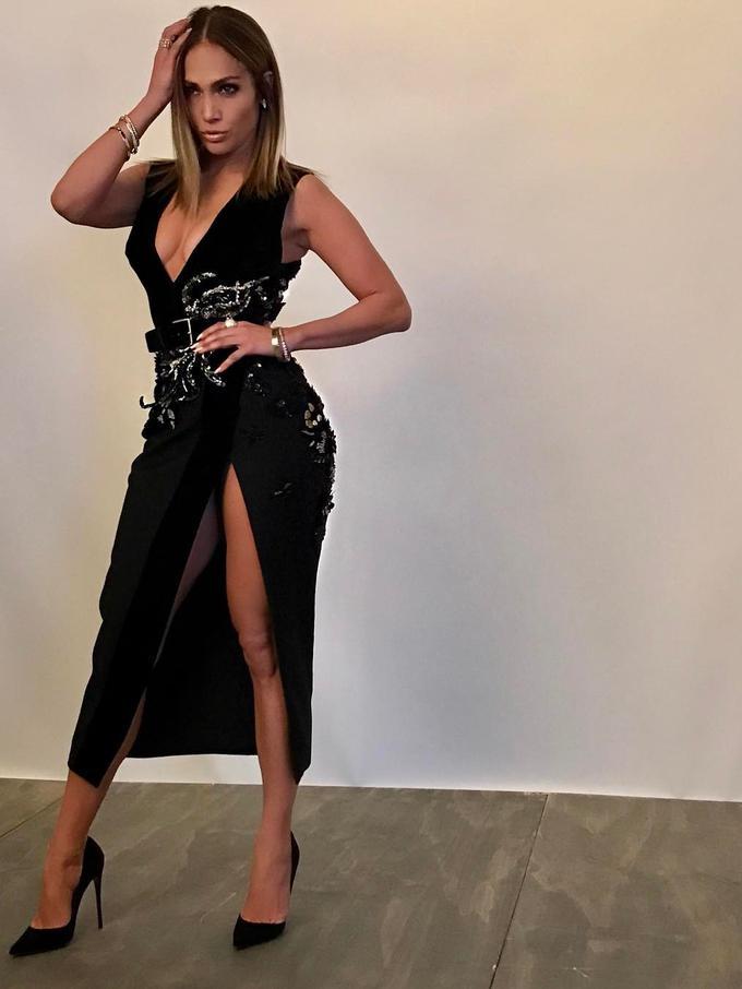Perjuangan Jennifer Lopez Miliki Tubuh Seksi di Usia 48 ...