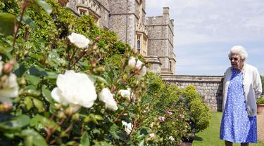 Ratu Elizabeth II Dapat Mawar Pink Spesial untuk Peringati Ulang Tahun ke-100 Pangeran Philip