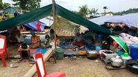 Tenda pengungsi korban gempa Halmahera. (Liputan6.com/Hairil Hiar)