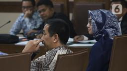 Presiden Direktur PT Angkasa Pura (AP) II, Muhammad Awaluddin (kedua kanan) saat menjadi saksi pada sidang lanjutan dugaan suap pengadaan Baggage Handling System (BHS) dengan terdakwa Andi Taswin Nur di Pengadilan Tipikor, Jakarta, Senin (18/11/2019). (Liputan6.com/Helmi Fithriansyah)