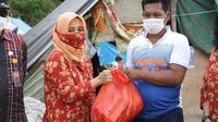 Dharma Wanita Kemnaker Salurkan Bantuan Korban Gempa di Mamuju