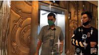 Menengok Ruang Kerja Panji Trihatmodjo, Bernuansa Jawa dan Warna Emas. foto: Youtube 'Baim Paula'