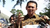 Proyek reklamasi terus menimbulkan pro dan kontra. Terlebih bagi nelayan, khususnya bagi mereka di Teluk Jakarta, reklamasi dianggap tak ubahnya seperti gerbang kepahitan bagi para nelayan