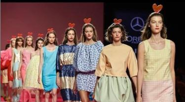 Koleksi Jason Wu Siap Buka New York Fashion Week 2021