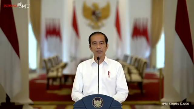 Presiden Joko Widodo sampaikan keterangan pers terkait Undang-Undang Cipta Kerja dari Istana Kepresidenan Bogor hari Jumat (9/10). Jokowi meyakini UU ini akan memperbaiki kehidupan jutaan pekerja di Indonesia.