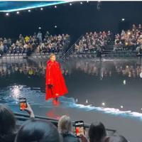 Koleksi Balenciaga di Paris Fashion Week 2020. (dok.Instagram @nytimesfashion/https://www.instagram.com/p/B9Mu5gjnFGR/Henry)