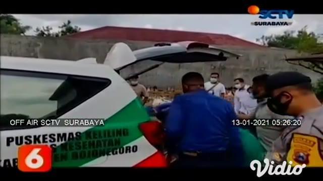 Ada dua orang pekerja mengalami keracunan amoniak, saat membersihkan rumah sarang burung walet di Bojonegoro, Jawa Timur. Petugas Pemadam Kebakaran dan Penyelamatan yang mendapat laporan berupaya mengevakuasi korban dari ketinggian 20 meter.