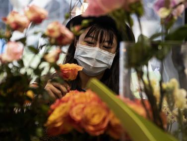Perayaan Valentine di Shanghai Dibayangi Virus Corona COVID-19