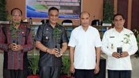 Gubernur Nusa Tenggara Timur (NTT) Viktor Bungtilu Laiskodat mengungkapkan keresahannya terkait Taman Nasional (TN) Komodo di Labuan Bajo, Manggarai Barat.