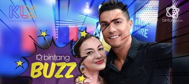 Apa yang akan kamu lakukan jika bisa bertemu dengan Cristiano Ronaldo? Pesepakbola yang pesonanya sudah terpancar ke seluruh dunia dan bakal bikin semua wanita meleleh berada di dekatnya, termasuk Rianti Cartwright