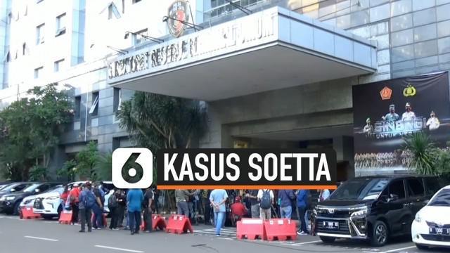 Polda Metro Jaya kembali memeriksa sejumlah saksi terkait kasus kerumunan massa Rizieq Shihab di Bandara Soekarno-Hatta dan Petamburan pada tanggal 10 November lalu. Dua orang saksi berhalang hadir, sementar satu diantaranya rekatif setelah tes rapid...