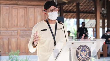 Kemenparekraf Segera Luncurkan Wisata Vaksin untuk Tarik Turis ke Bali