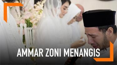 Suasana haru begitu kental saat acara pengajian jelang pernikahan Ammar Zoni dan Irish Bella. Saat sungkeman ke orangtua untuk meminta restu pernikahan, Ammar Zoni sampai meneteskan air mata.
