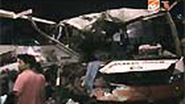 Korban tewas akibat kecelakaan maut antara bus pariwisata Duta Prima dan Bus Rosalia di Solo, Jateng, bertambah seorang. Setelah seorang siswa Madrasah Ibtidaiyah tewas, siang tadi kernet bus Duta Prima meregang nyawa.