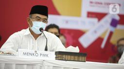Menteri Koordinator Bidang Pembangunan Manusia dan Kebudayaan Muhadjir Effendy memberikan keterangan saat mengikuti Rapid Tes menggunakan alat produksi dalam negeri di Kantor Kemenko PMK, Jakarta, Kamis (9/7/2020). (Liputan6.com/Faizal Fanani)