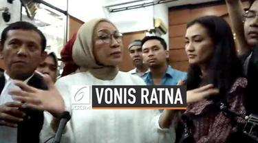 Ratna Sarumpaet menanggapi vonis 2 tahun penjara yang menimpanya. Ia disebut membuat keonaran karena ciptakan hoaks penganiayaan. Ratna tak terima dan menganggap vonis hakim bersifat politis.