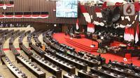 Suasana saat Sidang tahunan MPR RI dan dan Sidang Bersama DPR RI-DPD RI Tahun 2021 di Gedung Nusantra, Senayan, Jakarta, Senin (16/8/2021). Sidang Tahunan MPR tahun ini menerapkan protokol kesehatan (prokes) ketat. (Liputan6.com/Angga Yuniar)