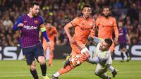 Aksi Lionel Messi dkk. saat Barcelona menjamu Lyon di leg kedua 16 besar Liga Champions 2018-2019 di Camp Nou, Kamis dini hari WIB (14/3/2019). (AFP/Josep Lago)