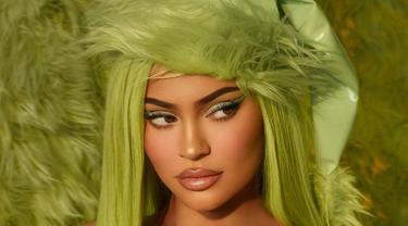 Kylie Jenner keluarkan koleksi kosmetik terbaru, Kylie X The Grinch.