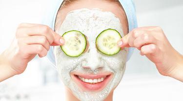 Masker wajah dengan yoghurt
