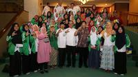 Dipimpin oleh Ketua DPRD Jawa Timur Abdul Halim Iskandar mengunjungi kantor Kementerian Ketenagakerjaan.