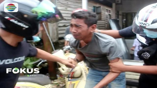Sarang narkoba di kawasan Pulau Indah, Samarinda, Kalimantan Timur, digerebek nggota reserse narkoba Polresta Samarinda. Sejumlah pengguna narkoba berhasil diringkus polisi.